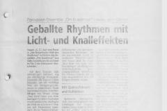 Geballte-Rhythmen-mit-Licht-und-Knalleffekten